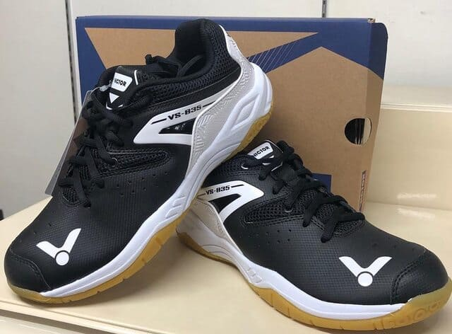 chaussure-de-badminton